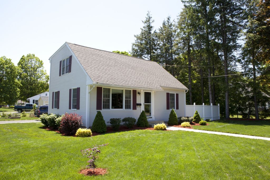 280 Russell Rd, Westfield, MA 01085