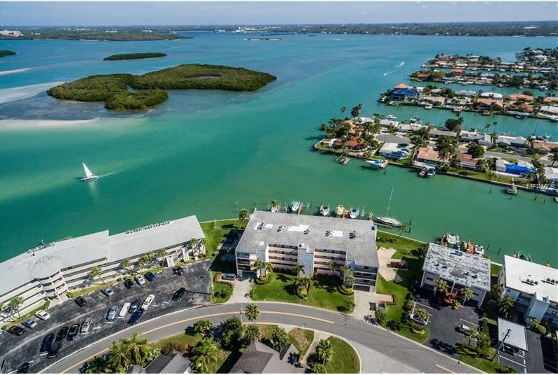 12525 E 3rd St Treasure Island FL