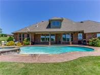 6523 Valley View Dr, Edmond, OK 73034