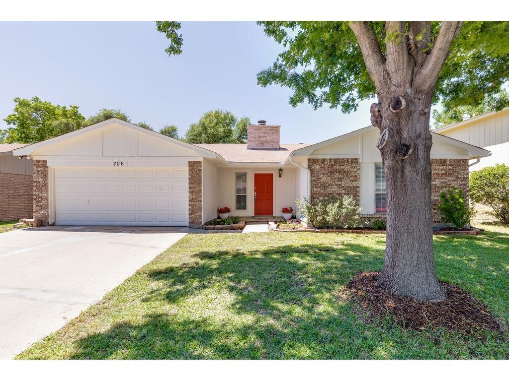 206 Nettletree Street, Arlington, TX 76018