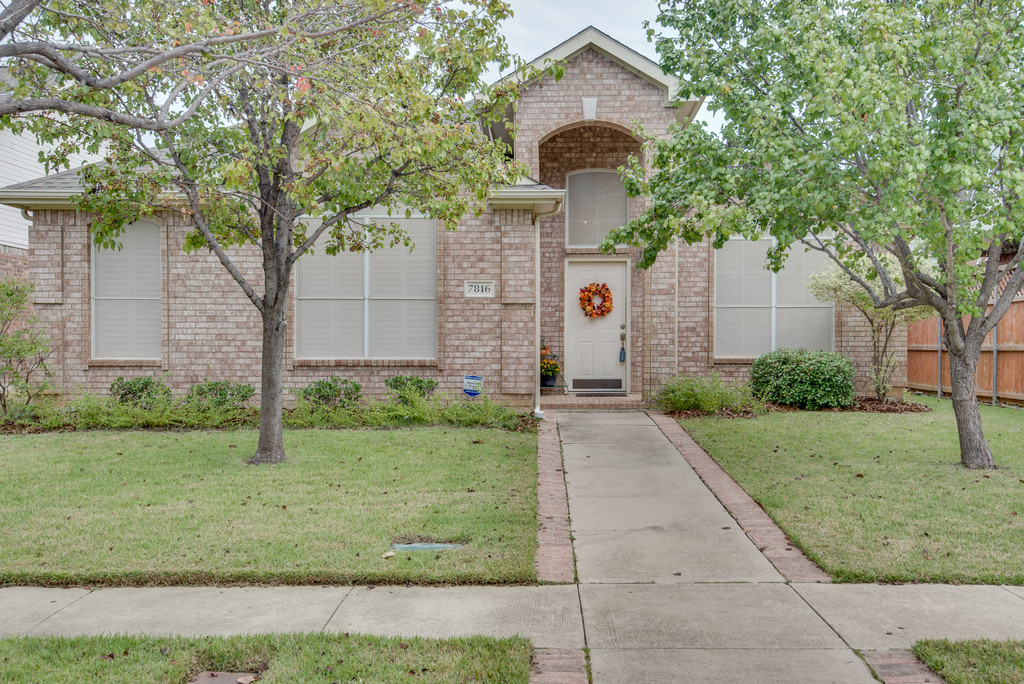 7816 Park Run Rd, Fort Worth, TX 76137