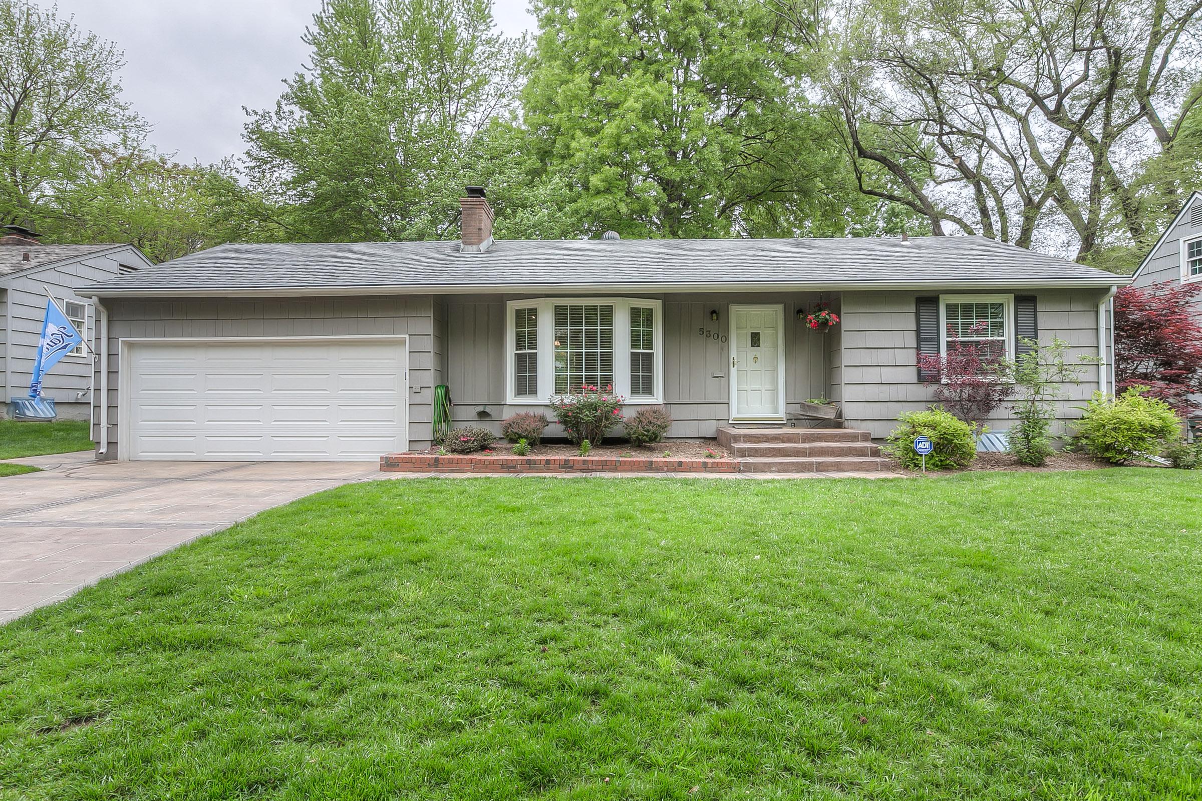 5300 W 73rd St., Prairie Village, KS 66208