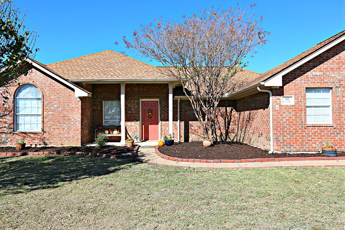 527 Gibson Road Waxahachie Texas 75165