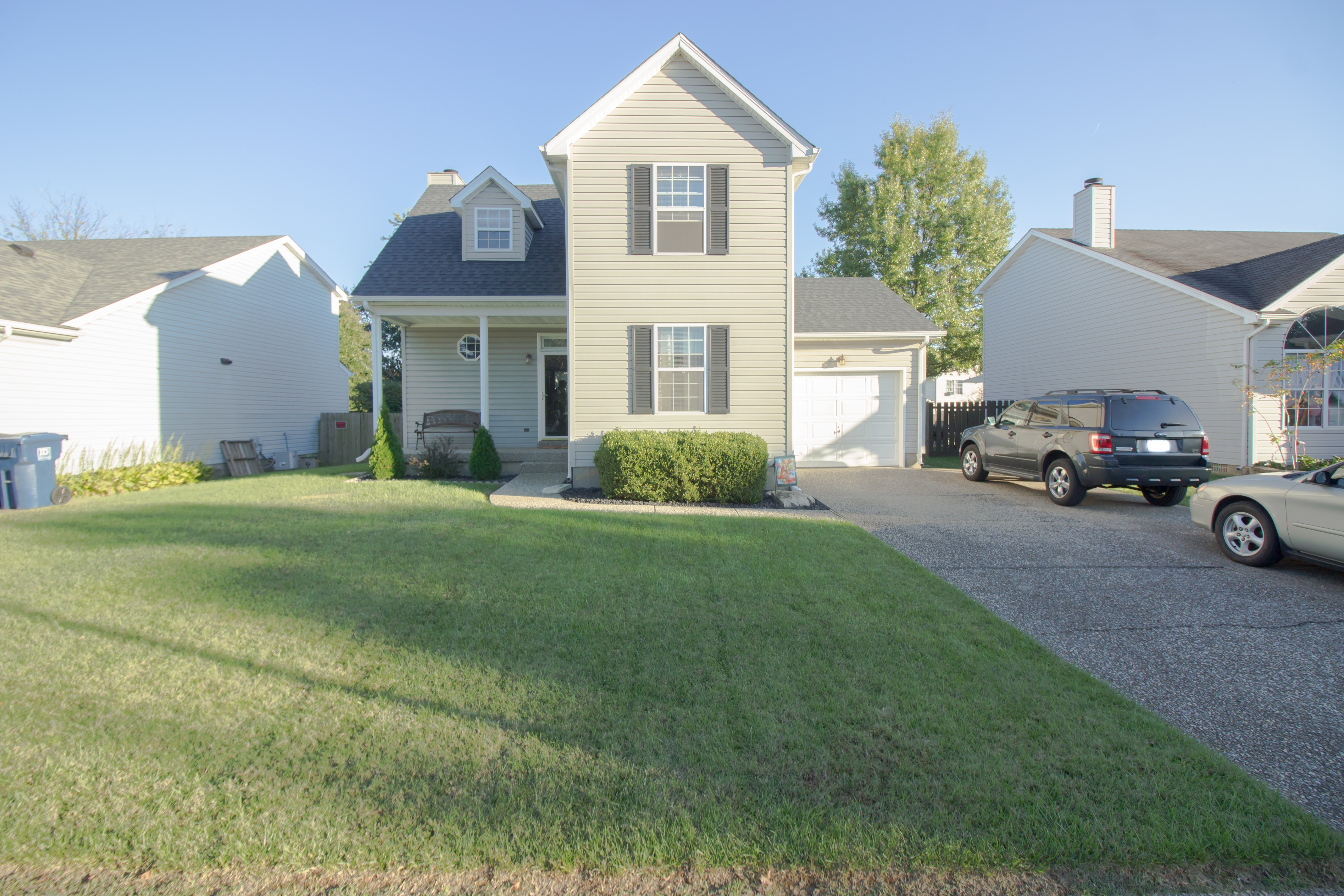10908 Pineview Ct. Louisville, KY 40299