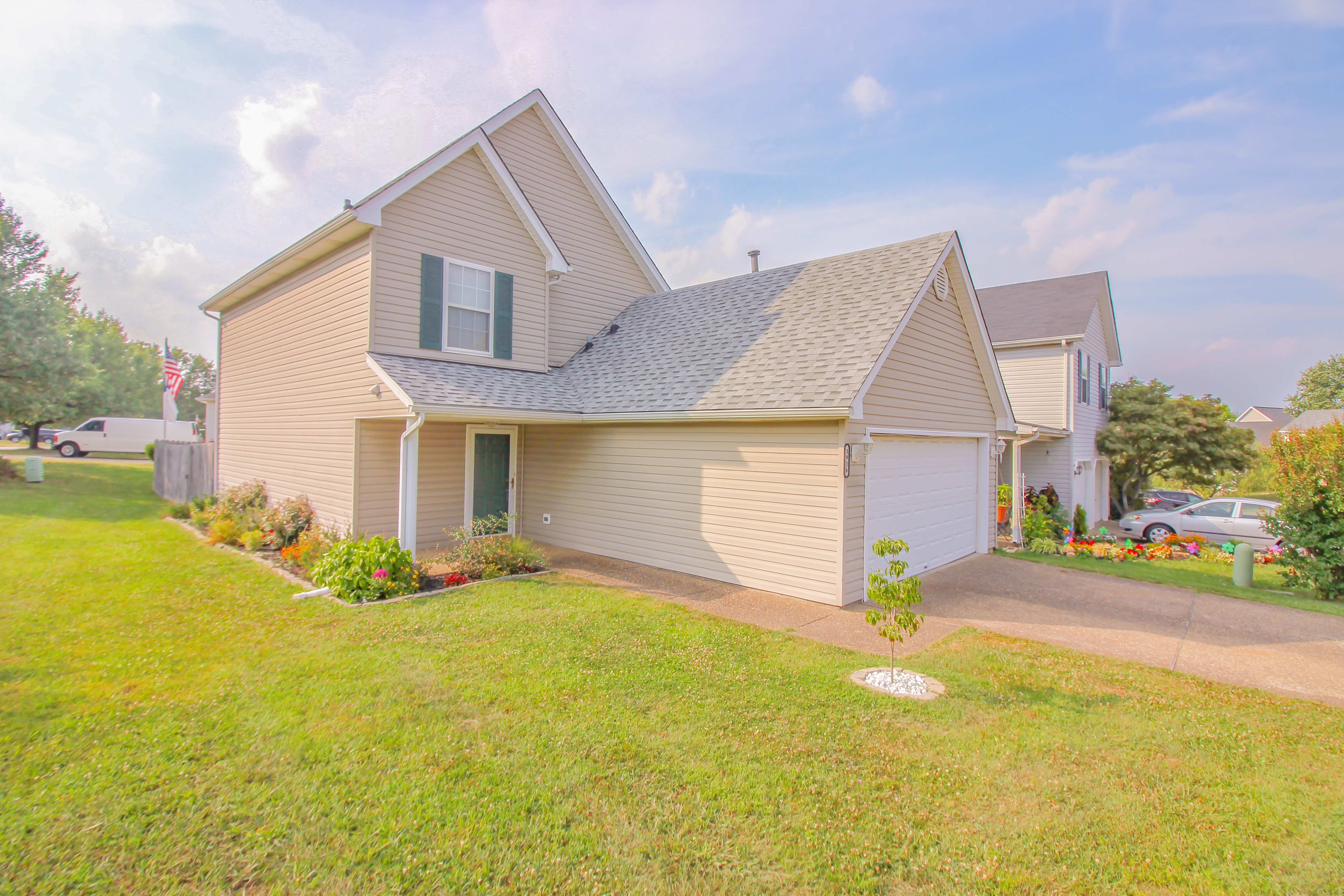 3916 Mimosa View Dr. Louisville, KY 40299