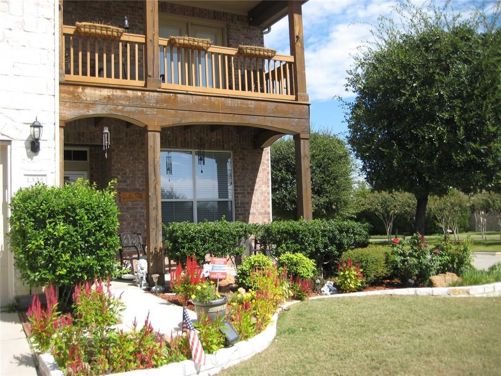 1325 Mockingbird Drive, Aubrey, TX 76227