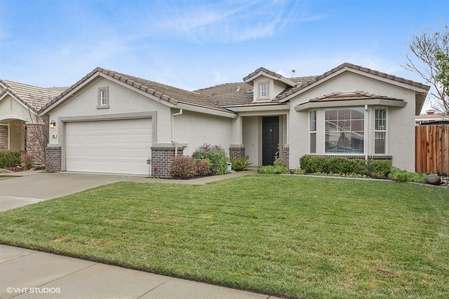 1936 San Diego Cir. Roseville, CA 95747