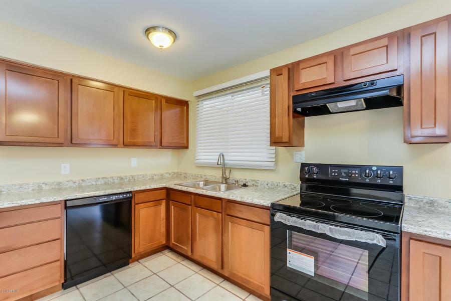 3008 N 81ST LN, Phoenix, AZ 85033
