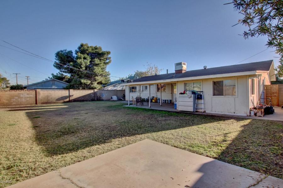 4832 W EARLL DR, Phoenix, AZ 85031