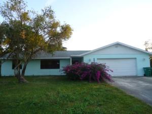 492 NW Fairfax Avenue, Port Saint Lucie, FL 34983