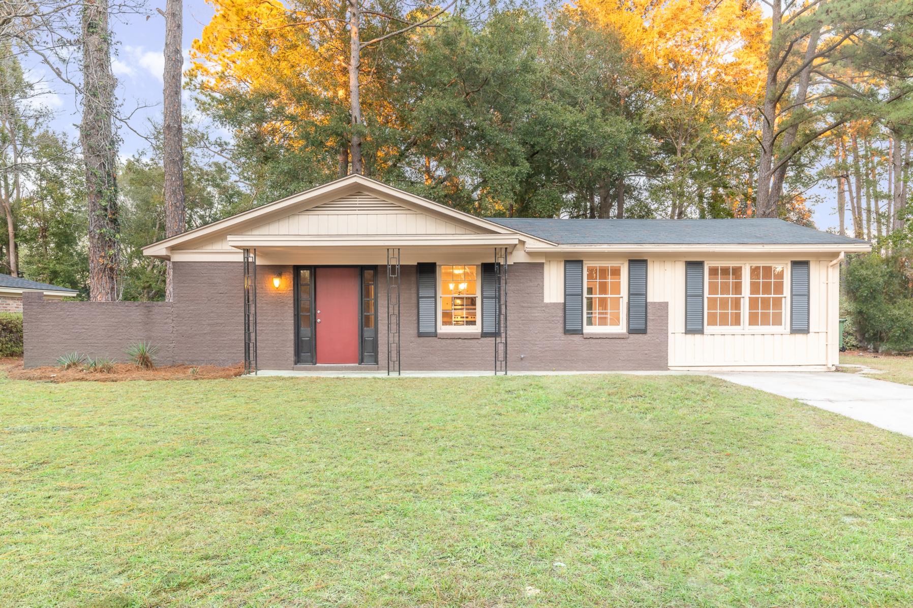 4 Hillyer Drive, Savannah, GA 31406