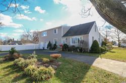 32 Marion Rd, Amityville, NY 11701
