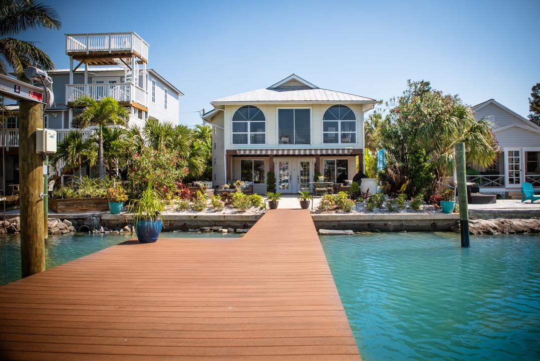 357 Bay Plaza Treasure Island FL 33706,