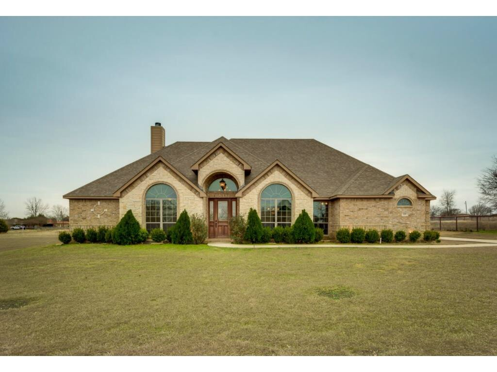 839 Rachelle Dr. Red Oak, TX 75154
