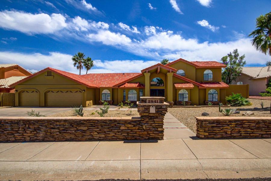 2841 E WInchcomb Dr, Phoenix