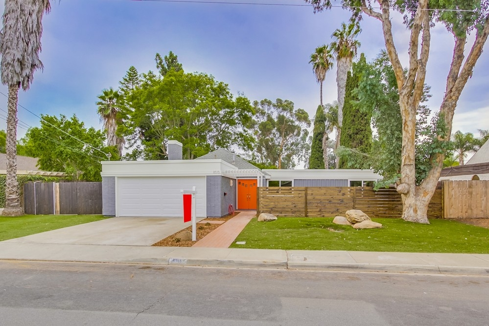 8515 Dallas St., La Mesa