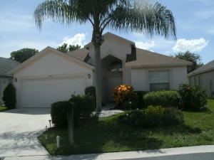 2206 Soundings Ct West Palm Beach, FL 33413