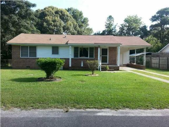 106 Owens Cir, Summerville, SC 29483