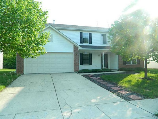 2924 Coles Creek Ln  Indianapolis, IN 46217
