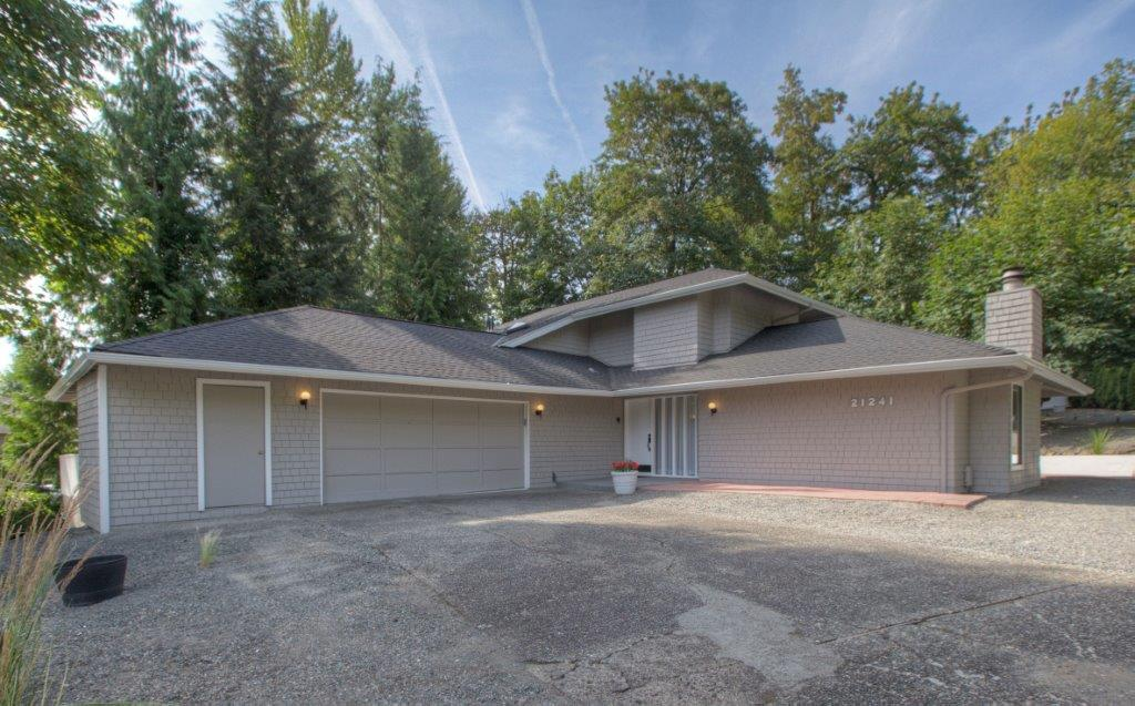 21241 SE 258th St, Maple Valley 98038