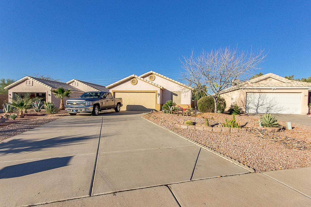 2060 S LAWTHER DR, Apache Junction, AZ 85120